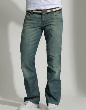 Erkekler için Çesitli Kot Pantolon Modelleri