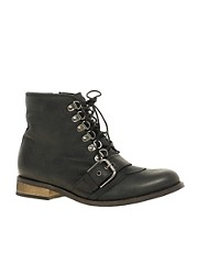 kupi Carvela Side Step Lace Up Buckle Boot proizvodjac Carvela na nasem Cipele i Moda sajtu