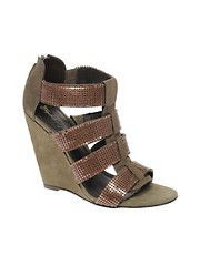 kupi Elizabeth & James Slide 1 Chain Detail Wedge Sandals proizvodjac Elizabeth & James na nasem Cipele i Moda sajtu
