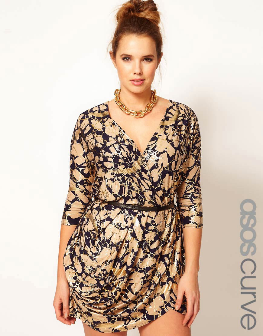 Vestido cruzado con estampado metalizado exclusivo de ASOS CURVE