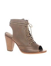 kupi H by Hudson Peep Toe Boot With Cut Out Detail proizvodjac H by Hudson na nasem Cipele i Moda sajtu